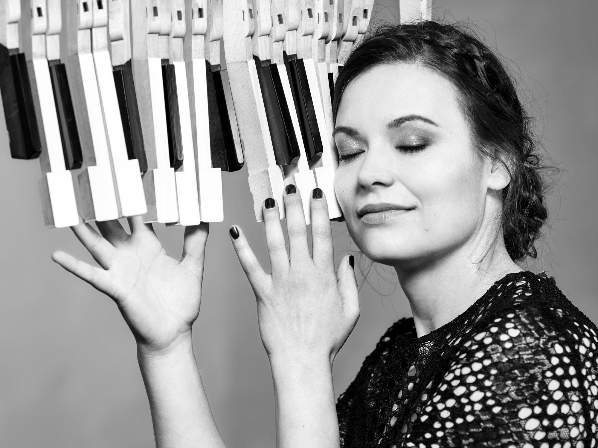 Der Erntehelfer Podcast - Folge 18 - Laia Genc - pianist, singer, composer, arranger, educator