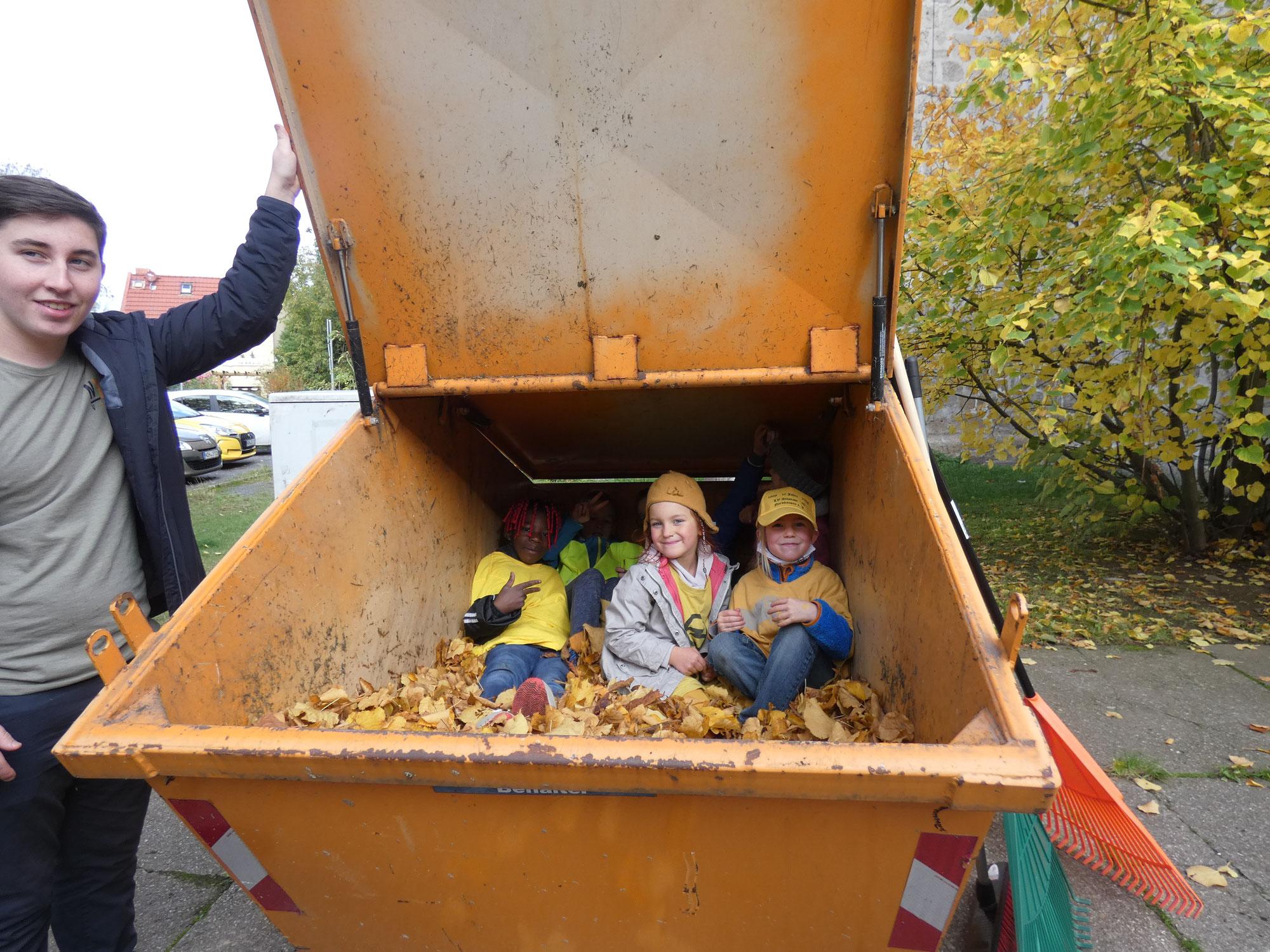 Handwerkertage in den Herbstferien/ Kinder im Container