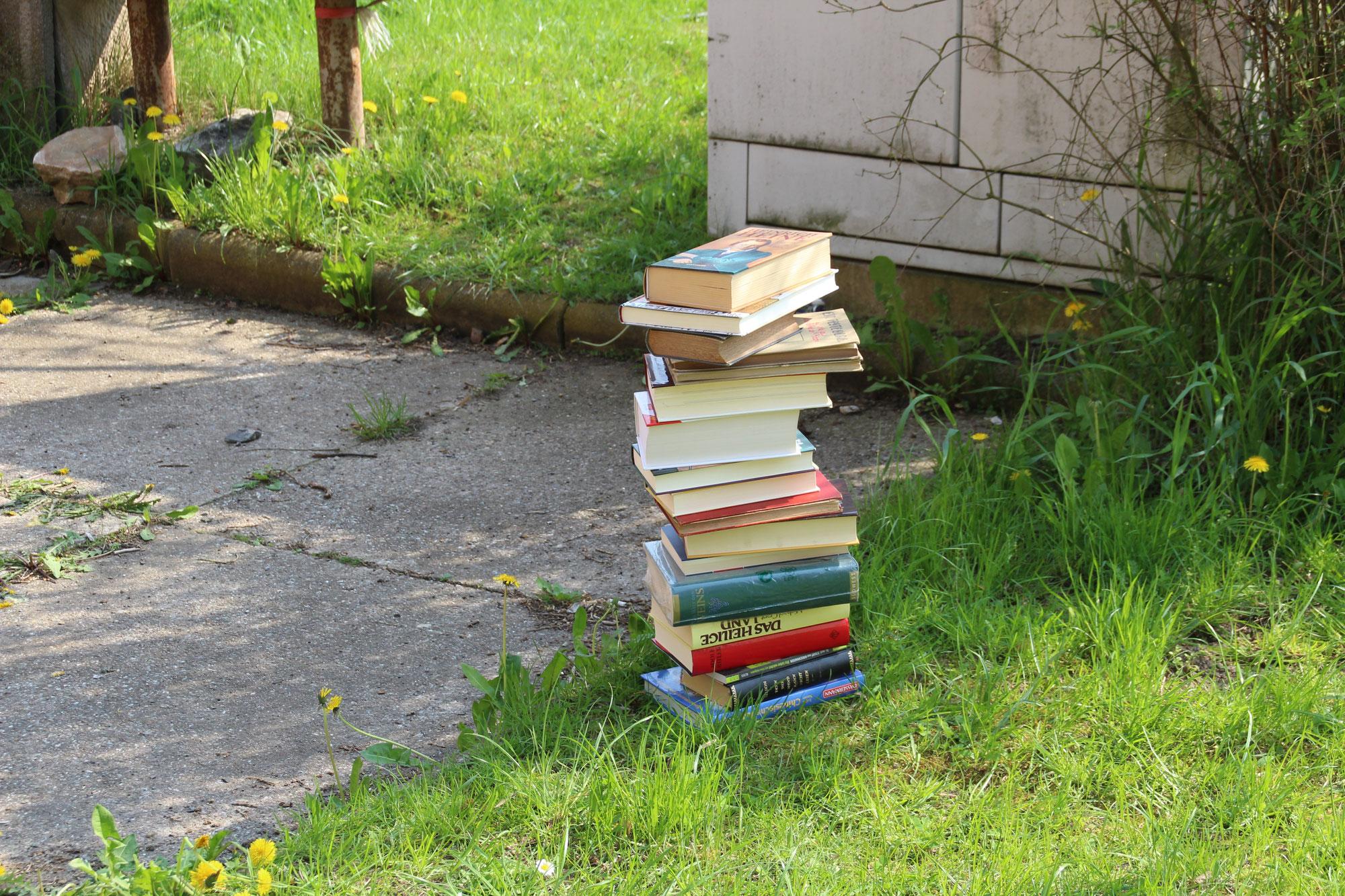 Neue KILA Wochenaufgabe: Bücher stapeln