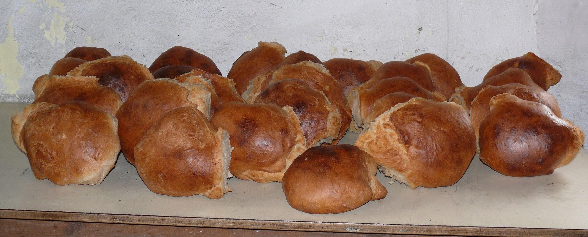 Brotverkauf am Backhaus in Nabern - nur gegen Vorbestellung