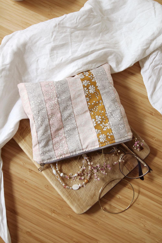 easy Liberty London pouch - free pattern + tutorial