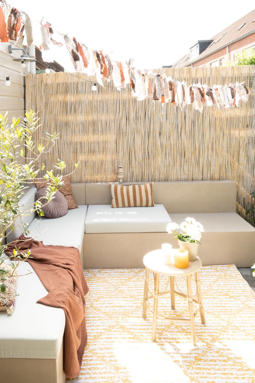 Ibiza in je achtertuin - Doe-het-zelf-tuinbank met beton cire!