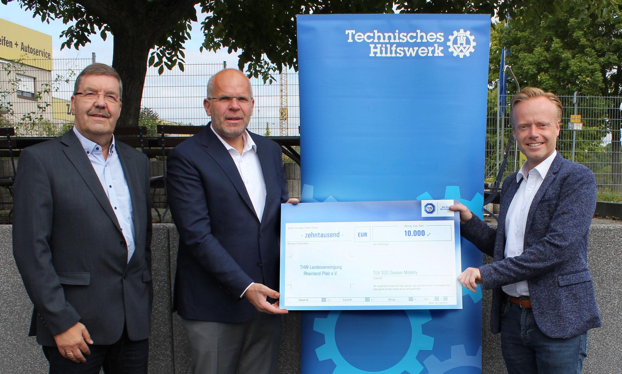 TÜV SÜD übergibt Spendenscheck in Höhe von 10.000 Euro an die THW Landesvereinigung Rheinland-Pfalz e.V.