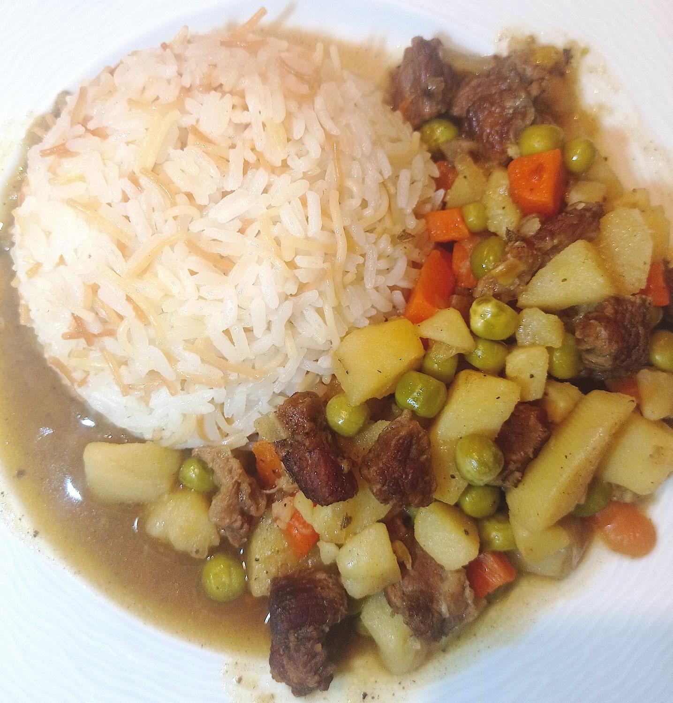 Türkische Hausmannskost: Orman Kebabı (Fleischgericht mit Gemüse)