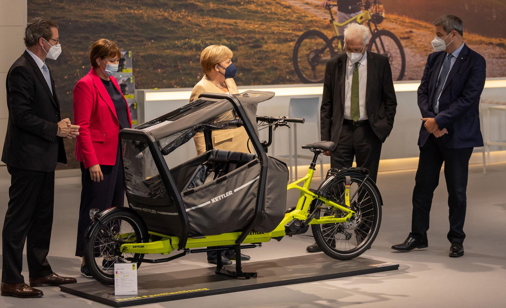 Bundeskanzlerin Merkel besucht KETTLER Alu-Rad auf der IAA Mobility