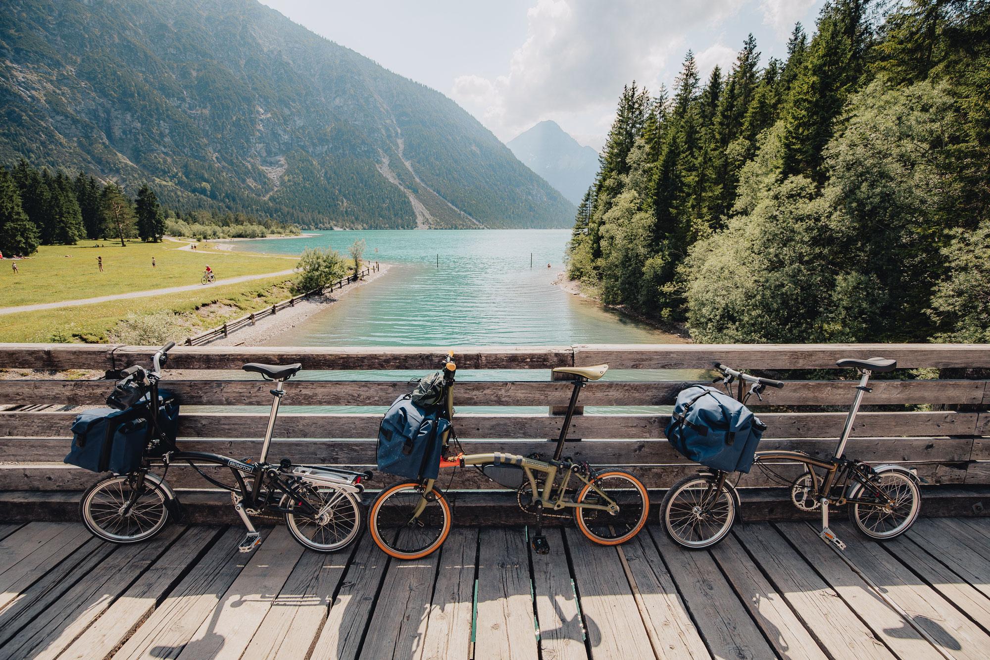 Brompton x German Roamers Bikepacking auf 16 Zoll