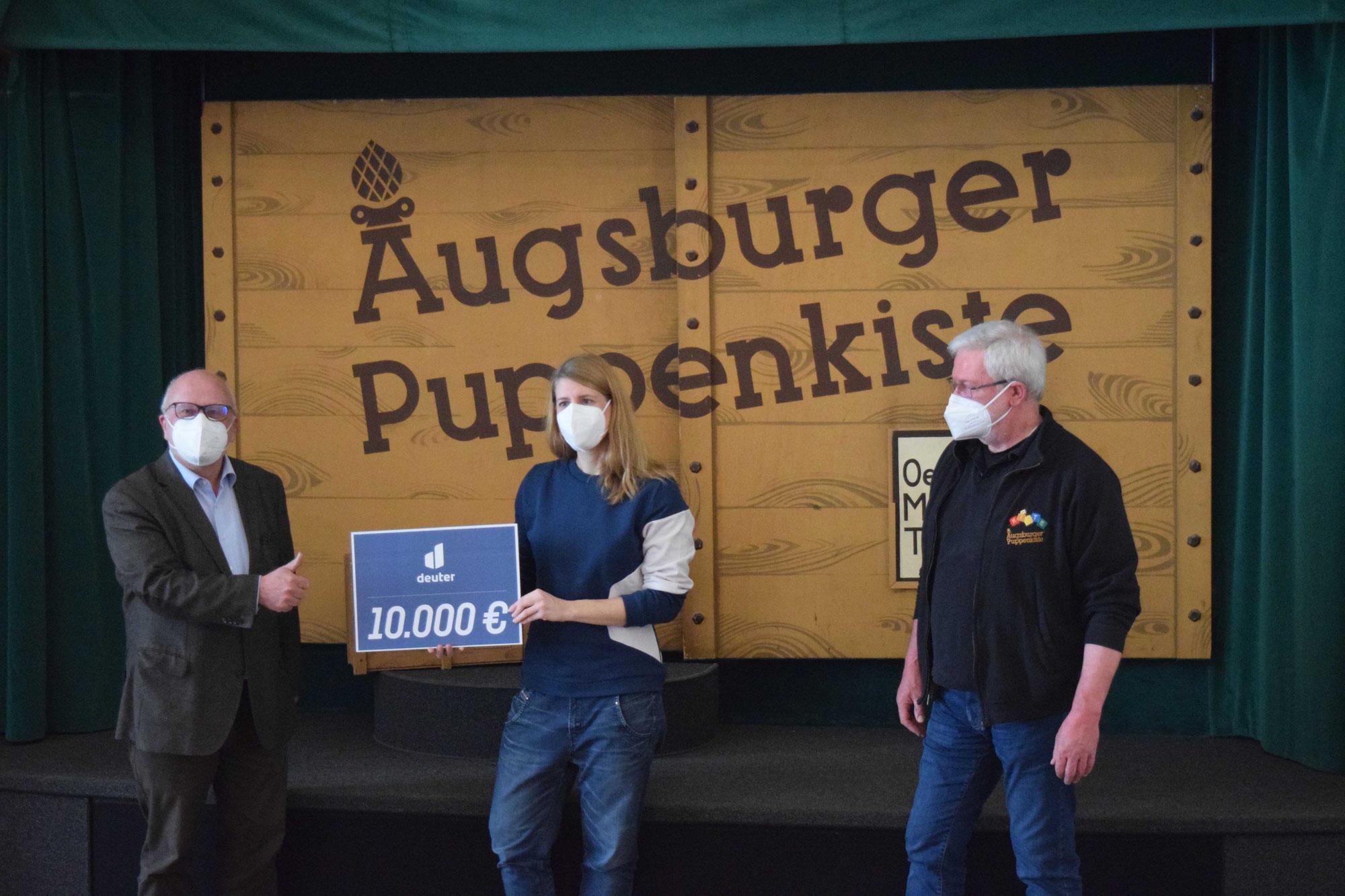 """deuter spendet 10.000 € an die """"Augsburger Puppenkiste"""""""
