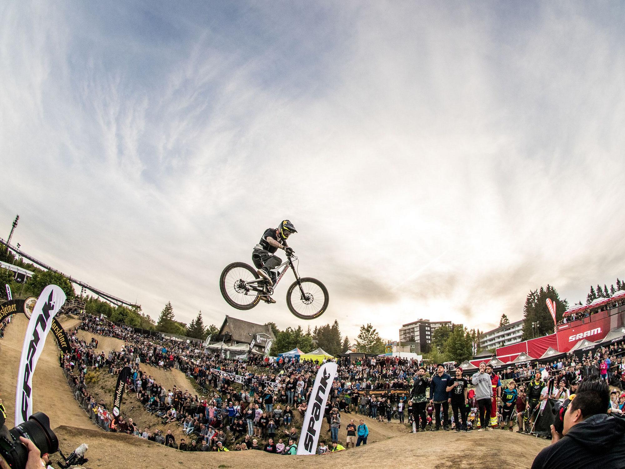 """Winterberg lockt am Wochenende mit """"iXS Dirtmasters-Bikefestival"""" und """"5. Sauerland-Rundfahrt"""""""