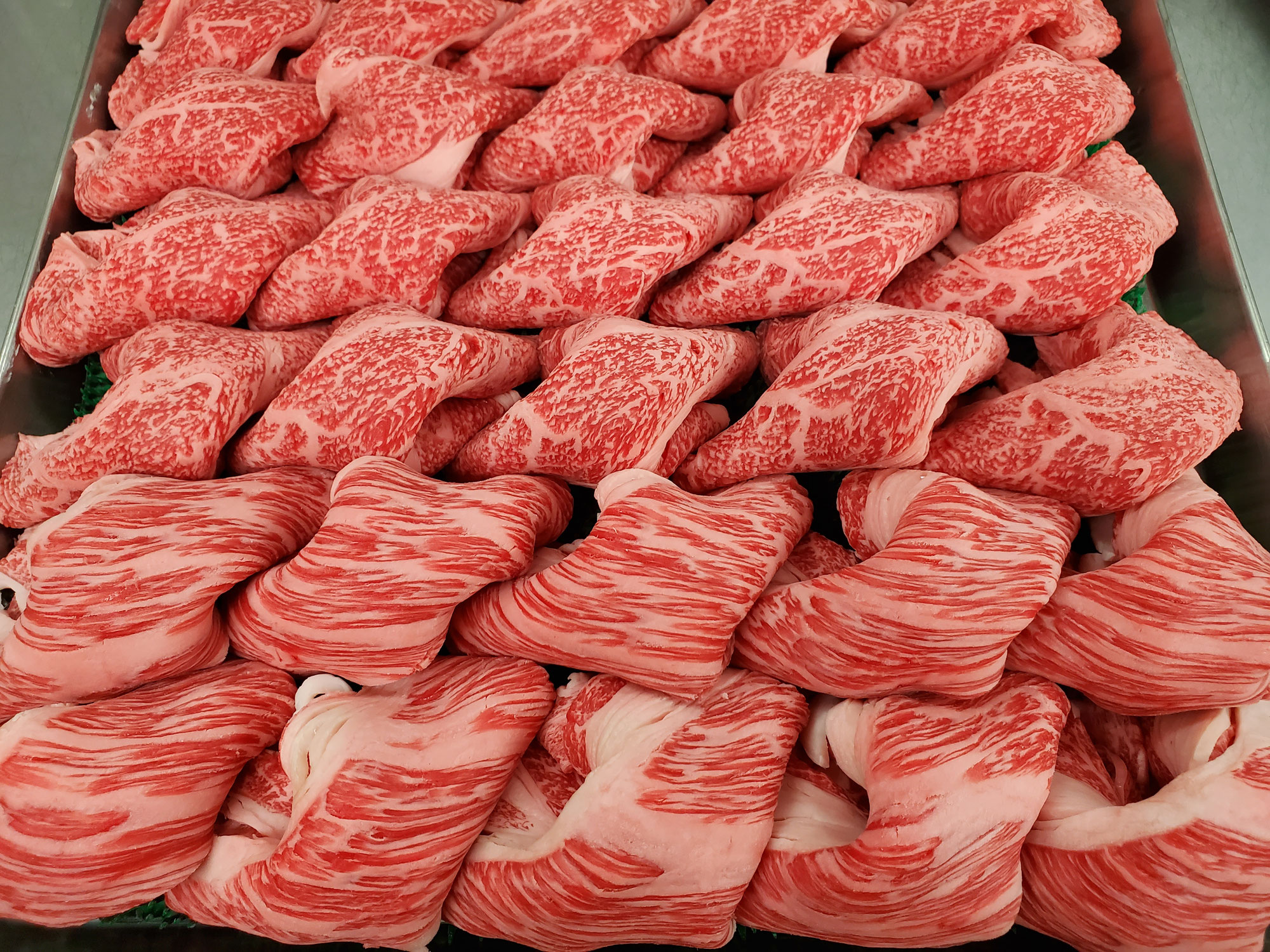 国産交雑牛徳用肩ロース肉すき焼き用