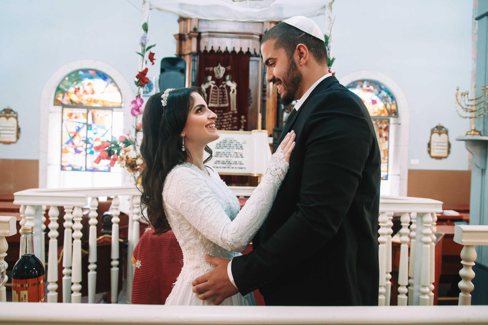 צילום חתונה חלומית עם מעט משתתפים בבית כנסת בראשון לציון - זה מרגש בטירוף