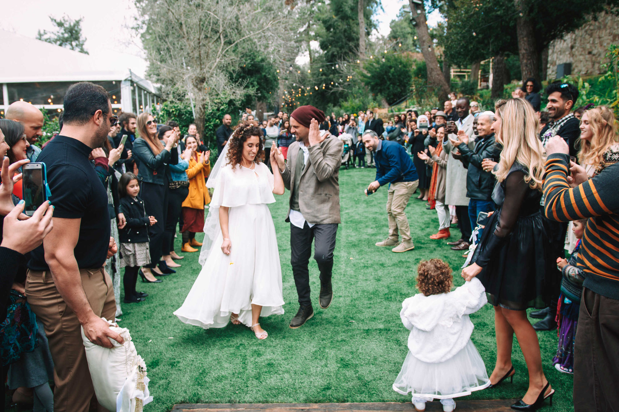 חתונה קסומה ביום שישי בצהריים - עין חמד גן אירועים בטבע