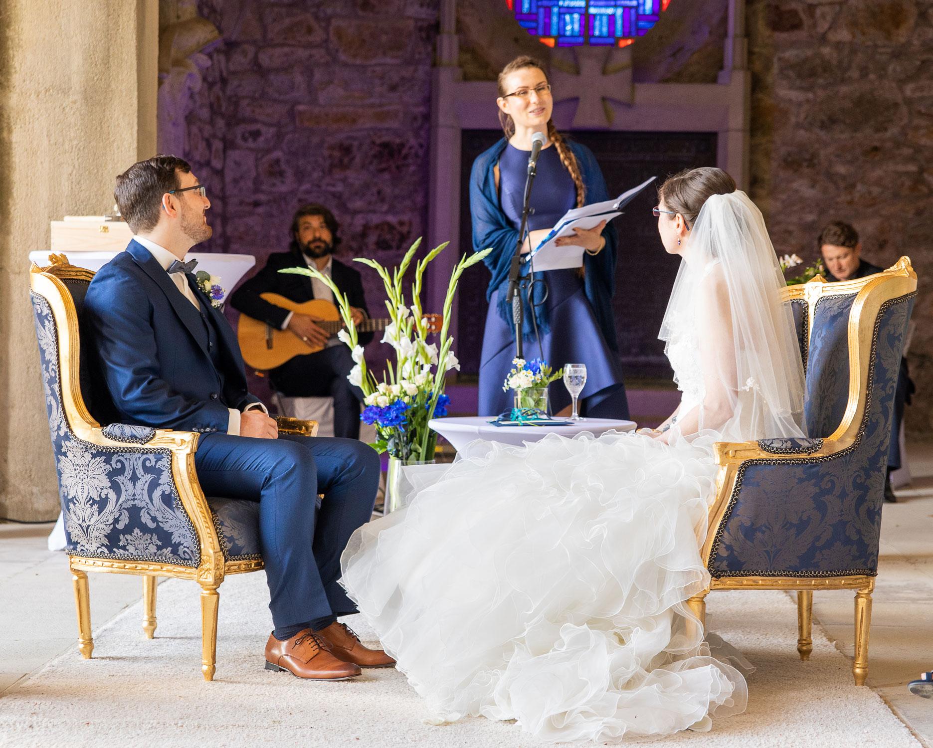 Als Traurednerin unterwegs in Weinheim - eine Hochzeit und freie Trauung auf der Wachenburg Weinheim