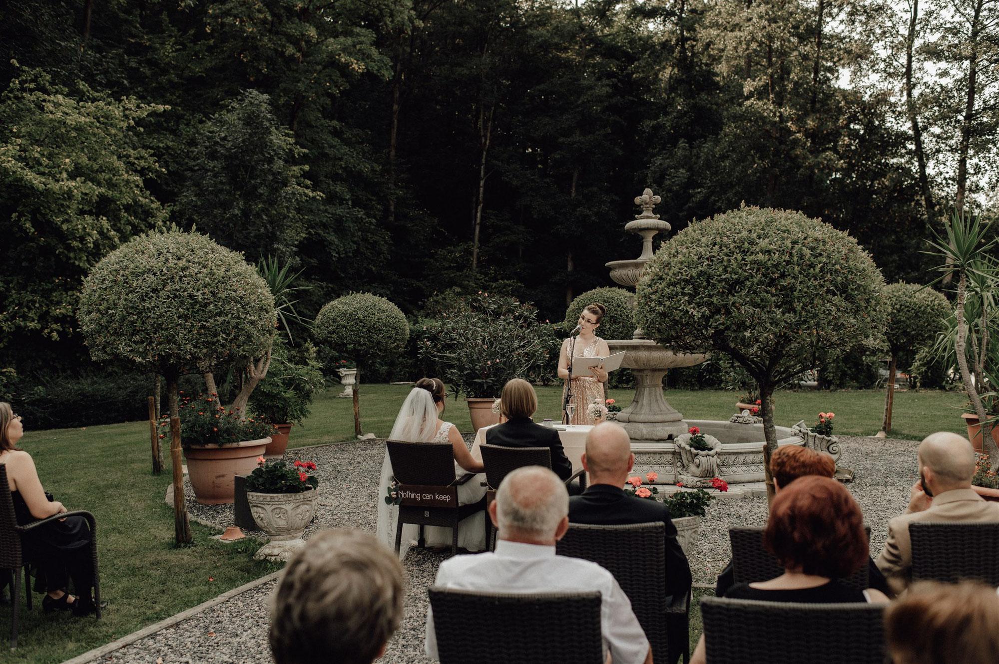 Als Traurednerin unterwegs an der Bergstraße - die Freie Trauung und Hochzeit von Vanessa und Timo im Hotel Scheid in Schriesheim