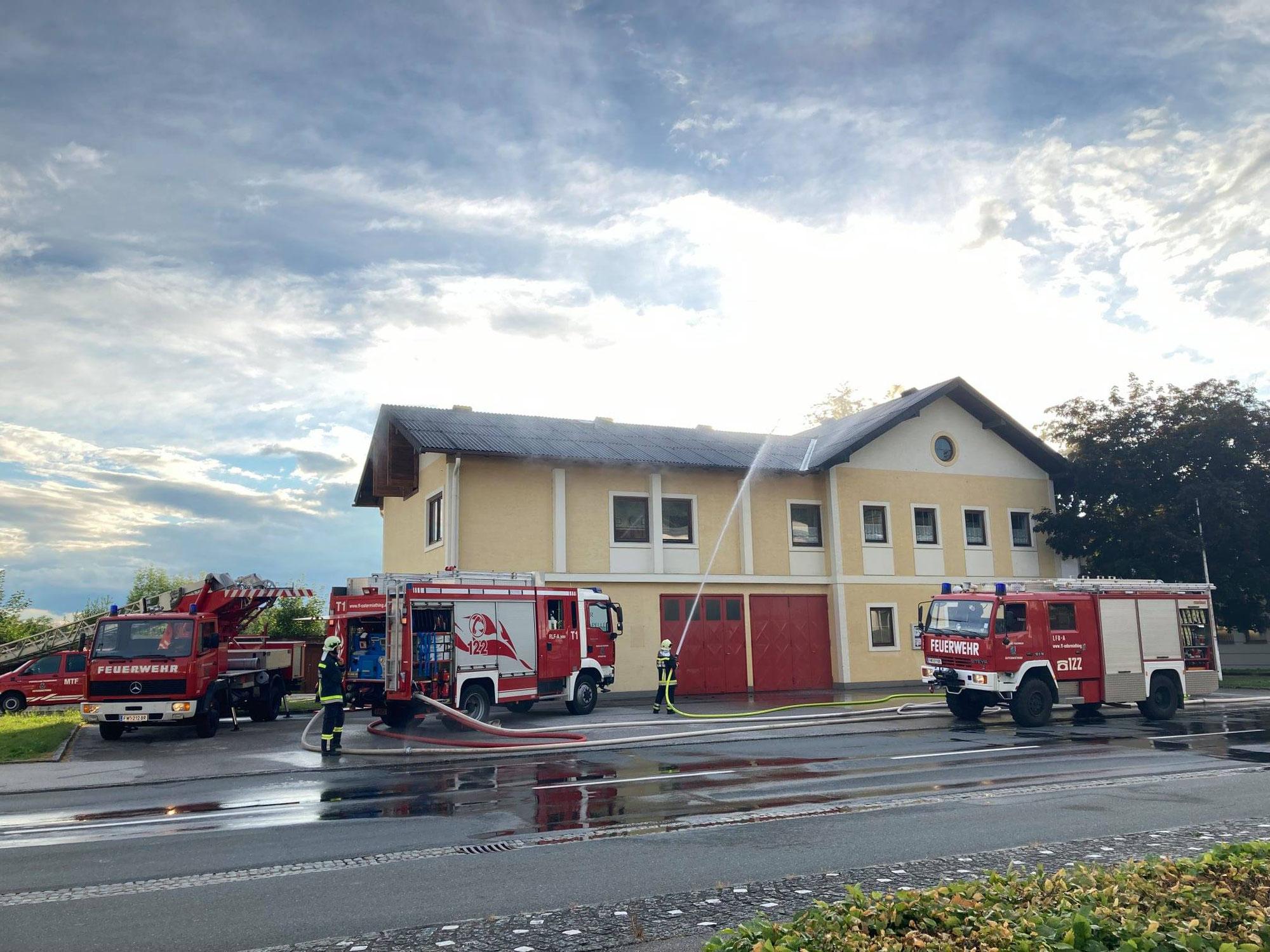Übung beim ehemaligen Feuerwehrhaus