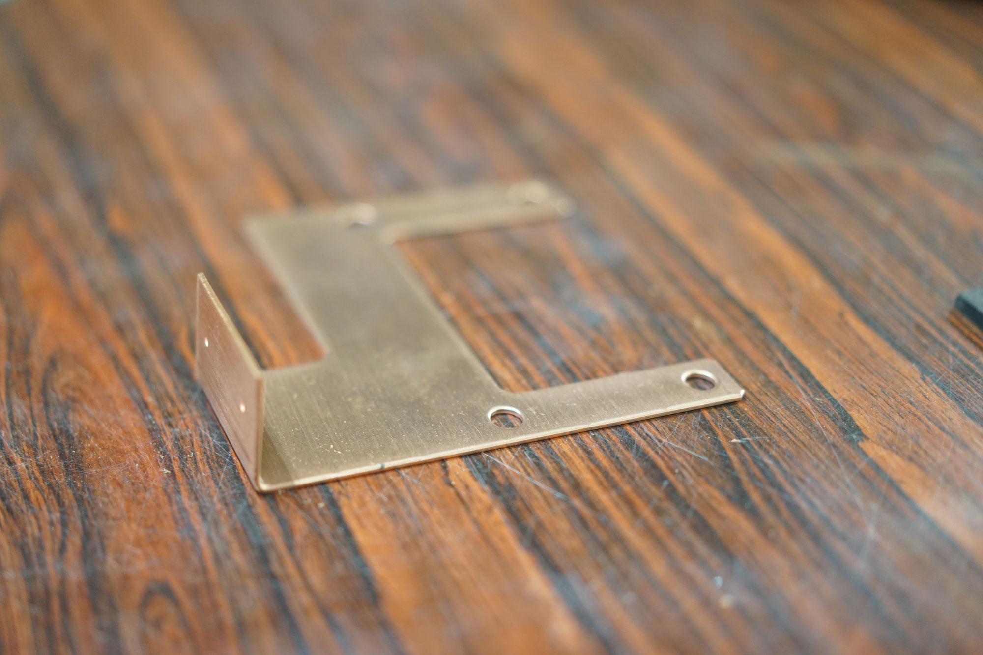 銅加工板金金属曲げ持ち込み穴あけ