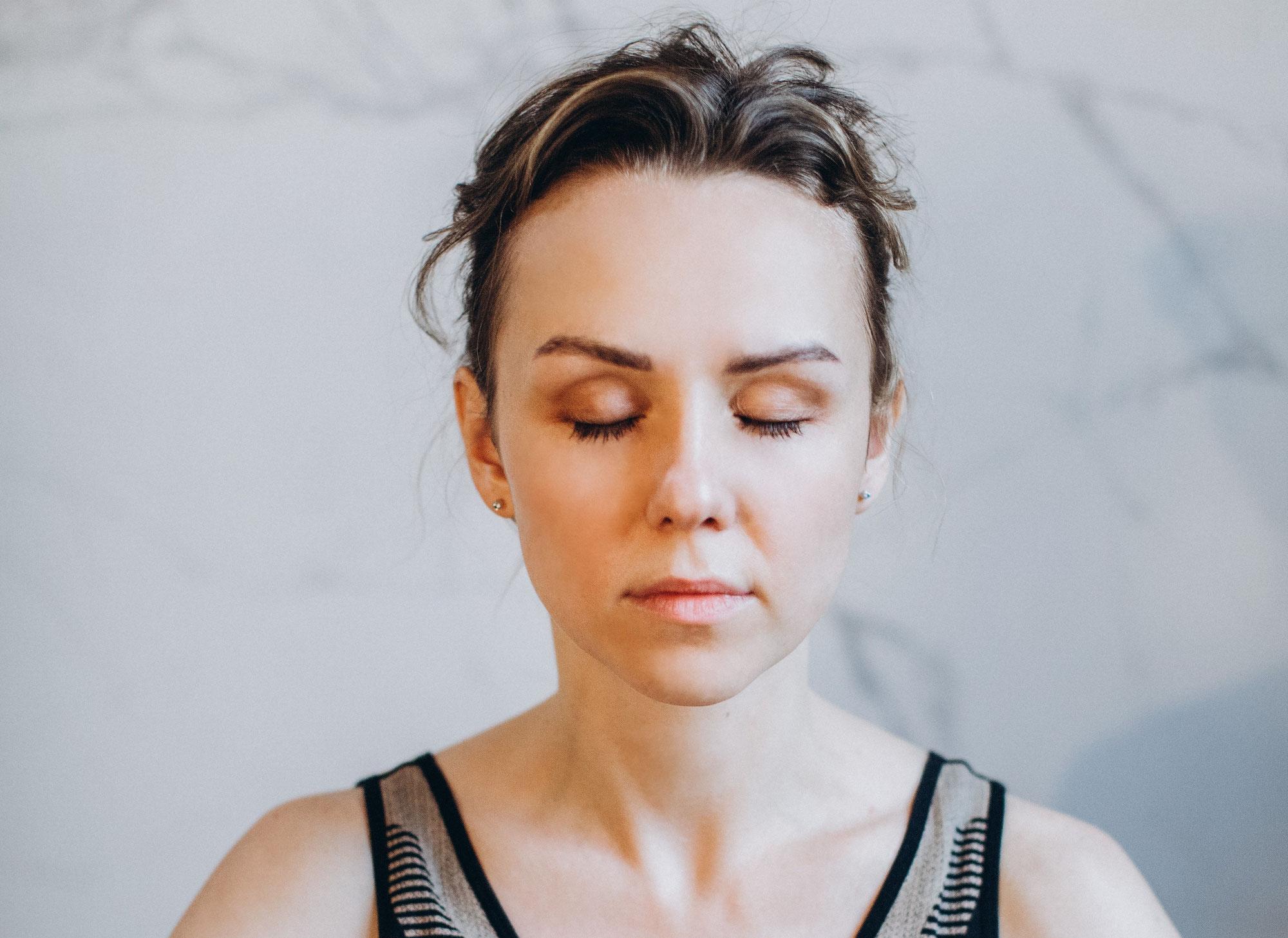 Détendez-vous en 5 min grâce à ces 3 exercices de Sophrologie
