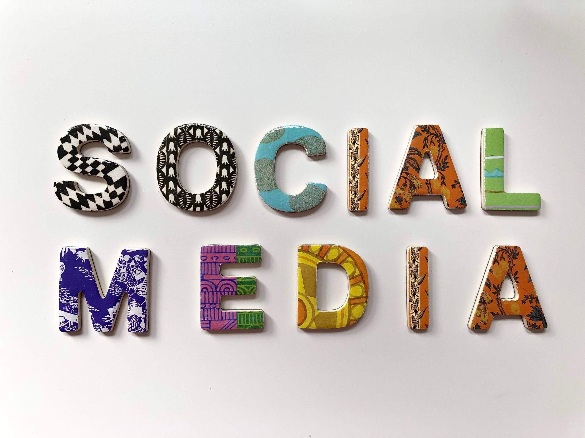 Zahnspangenliebe bei Facebook und Instagram!