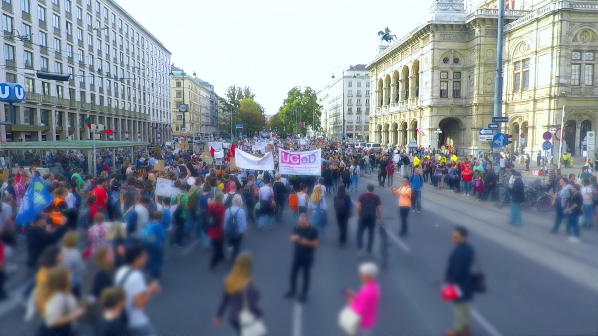 Demo: Bildung braucht mehr, nicht weniger Ressourcen!