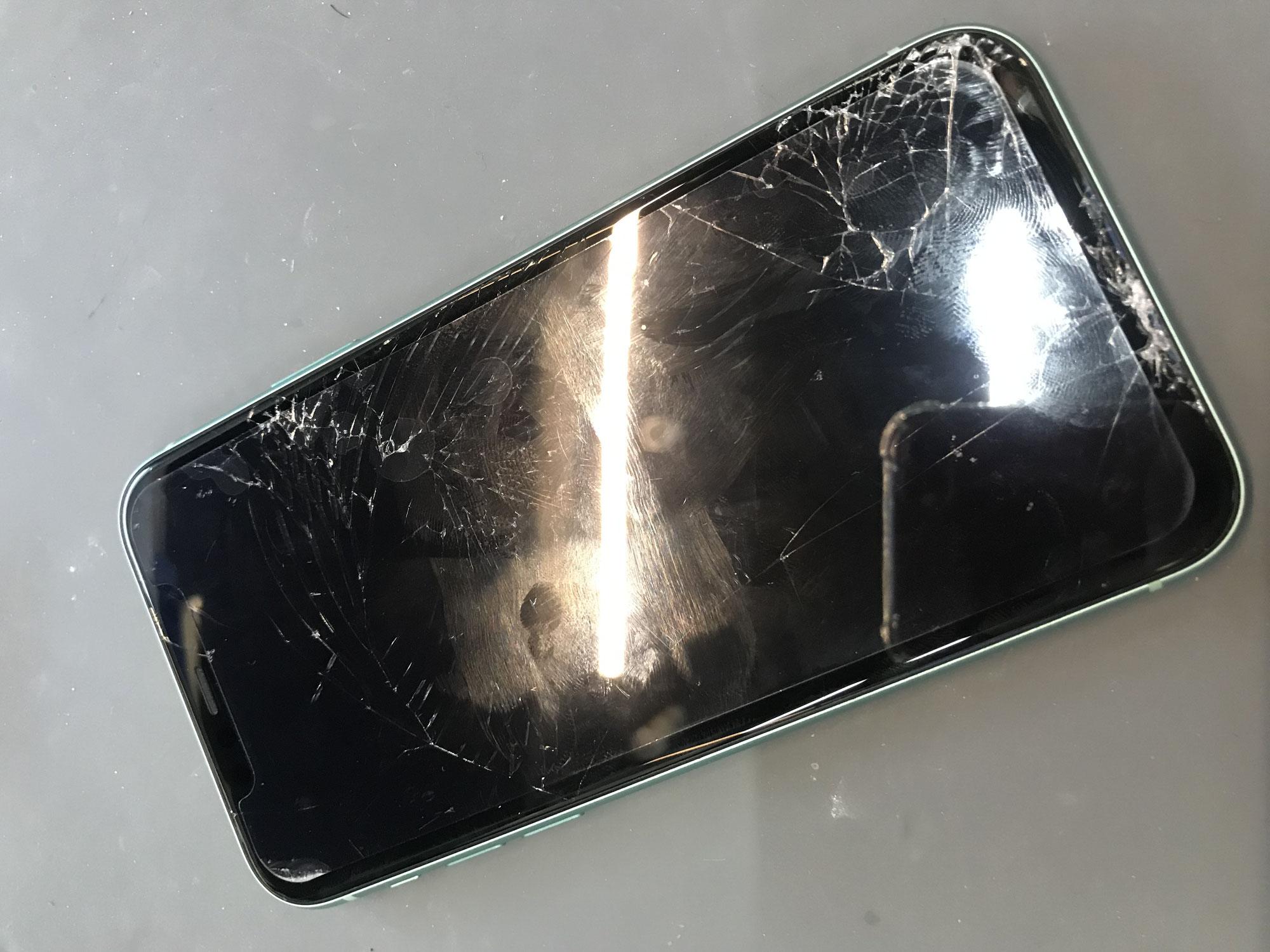 【iPhone 修理 所沢】埼玉最安級の激安価格で即日修理できる! データそのまま! 修理がとにかく安くて早い! バッテリー交換、ガラス割れ・液晶割れ修理、タッチ不良、水没 新所沢 所沢