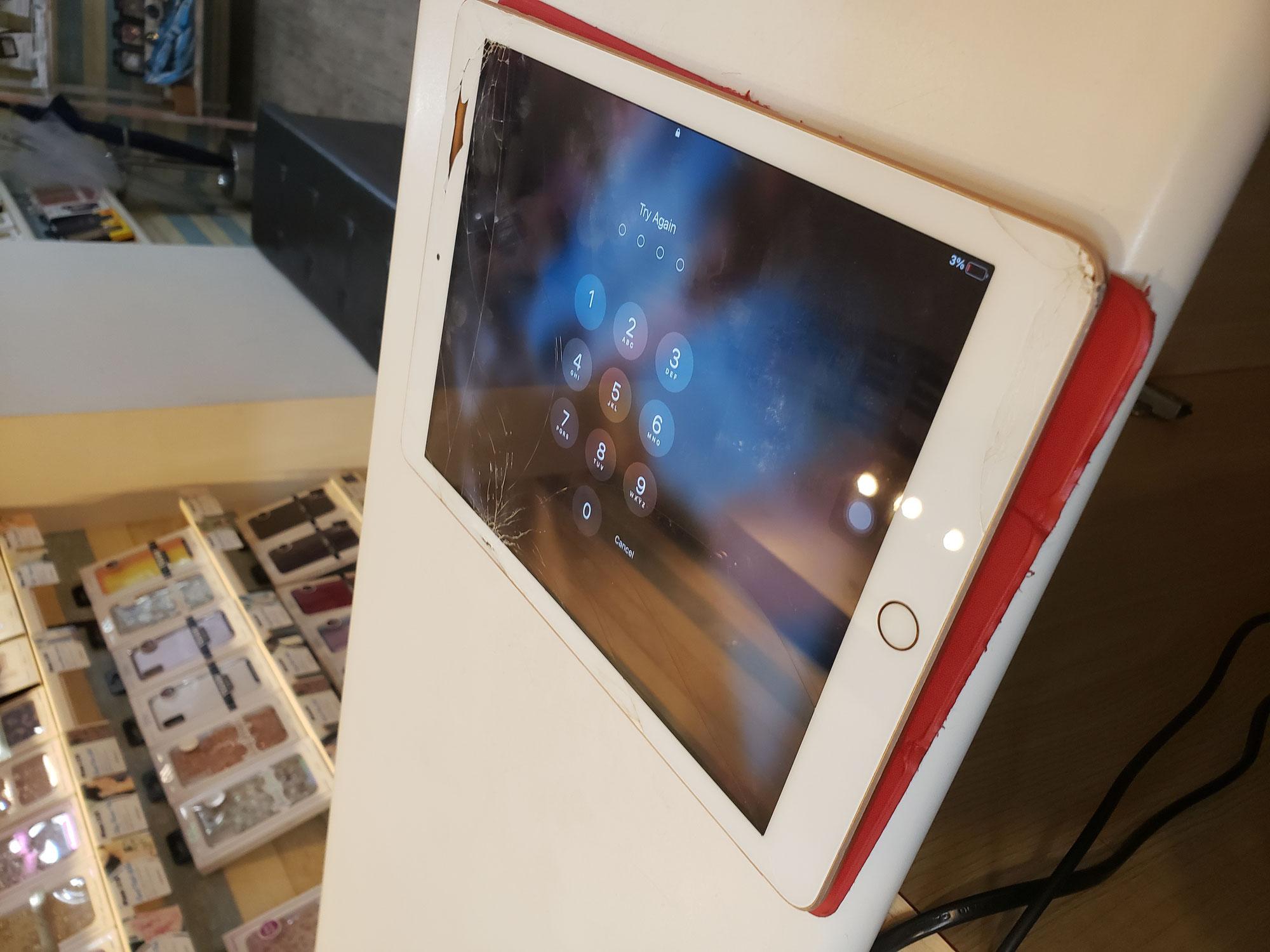 iPad画面修理作業は2時間ほど掛かります