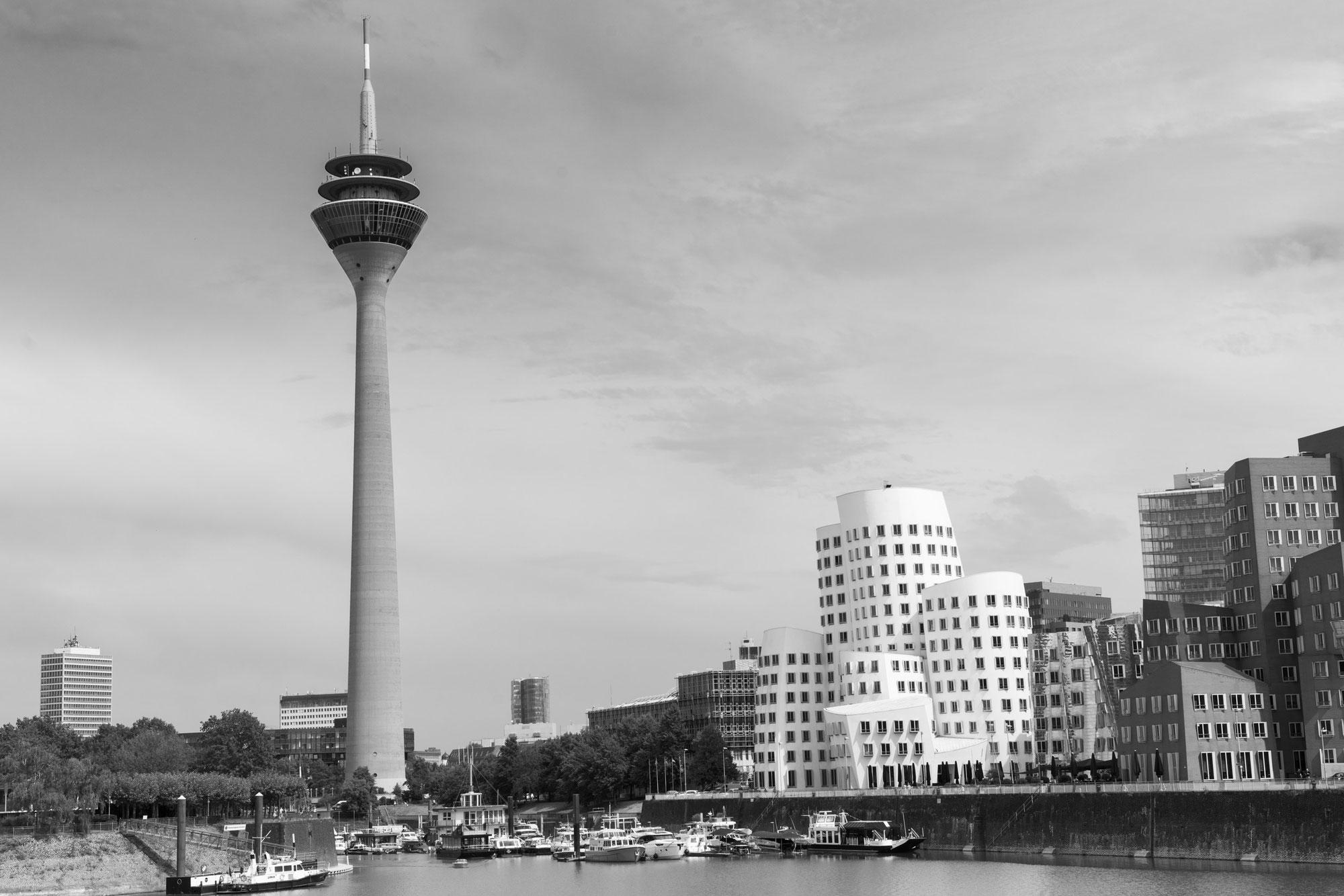 Im Medienhafen Düsseldorf mit viel Nikon Liebe