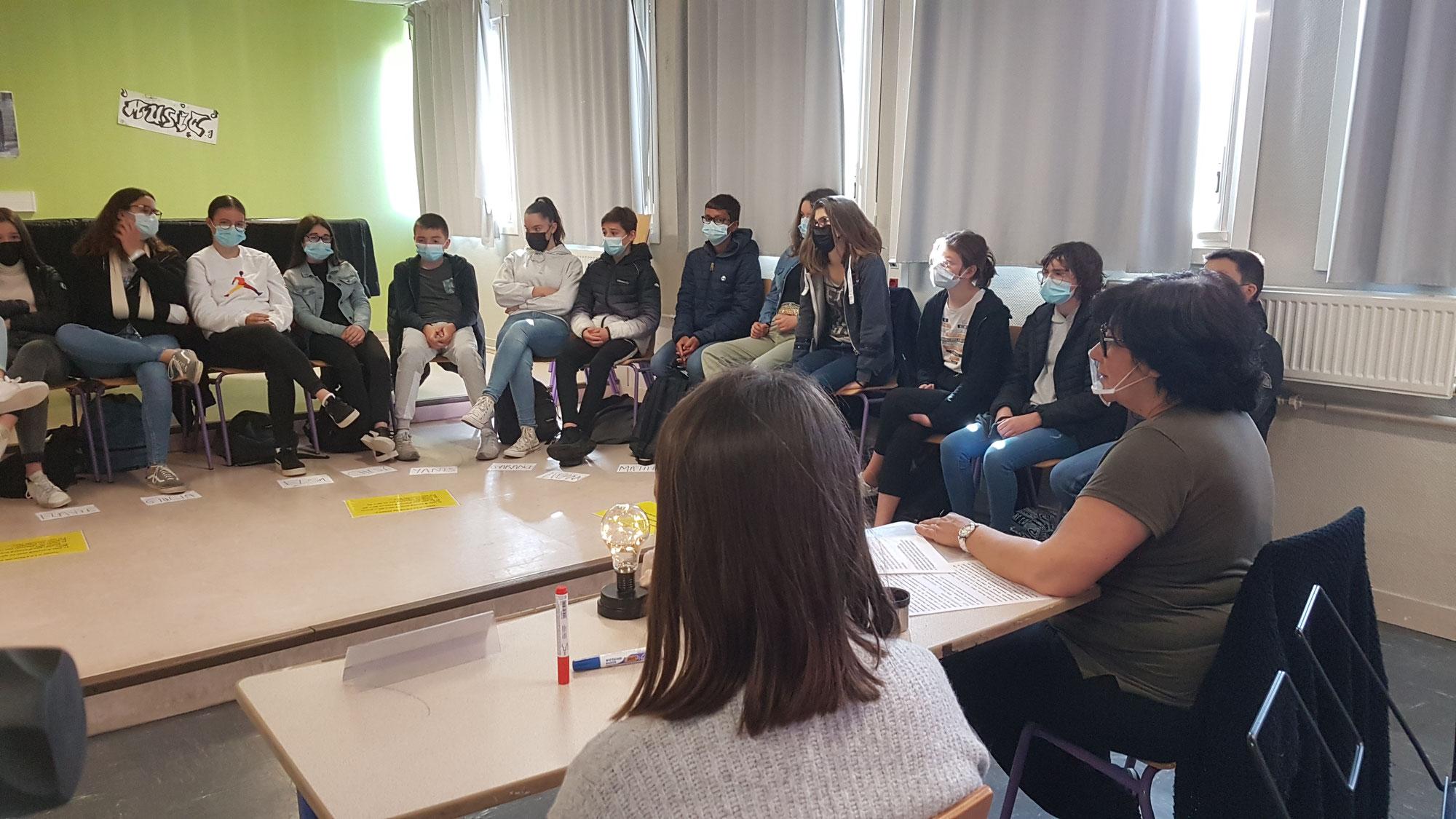 Peut-on se faire justice soi-même ?  Cycle d'ateliers philo avec les 3 classes de  4ème au collège Camille Vallaux du Relecq