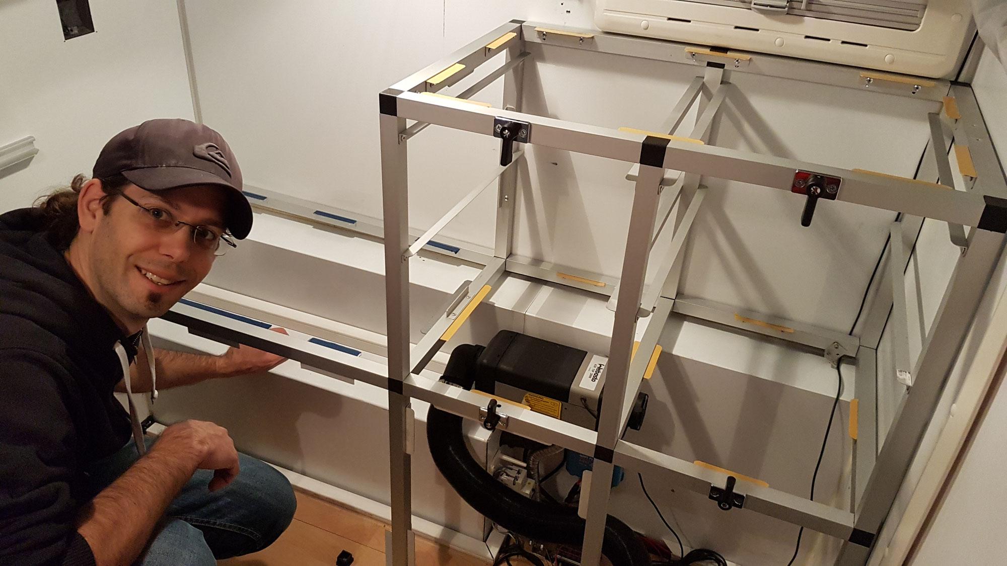 Ausbau der Küchenzeile unserer EXKAB 1 Wohnkabine
