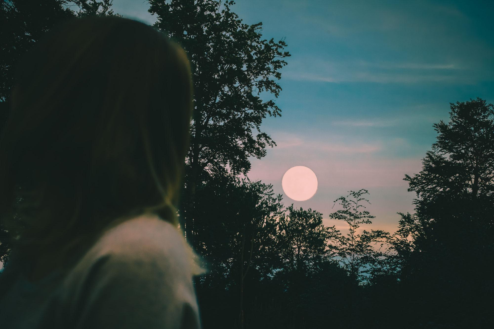 Volle maan 27 februari en de aanhoudende Zon-activiteit ♥ Fran Tielemans ♥ Lichtwerkers Nederland