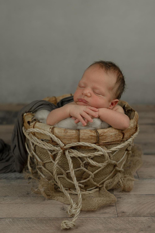 Neugeborenenfotografie Schneverdingen, Newborn Fotoshooting Tostedt, Babybilder Soltau, Babyshooting Rotenburg Wümme, Baby Fotoshooting Sittensen, Baby Fotos