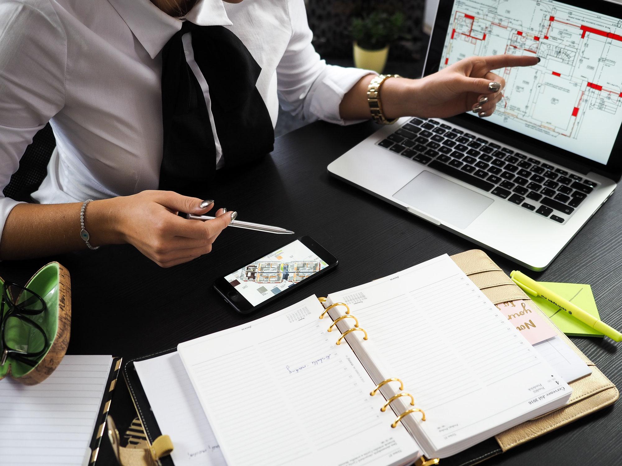 Was versteht man unter einem qualifizierten Makleralleinauftrag?