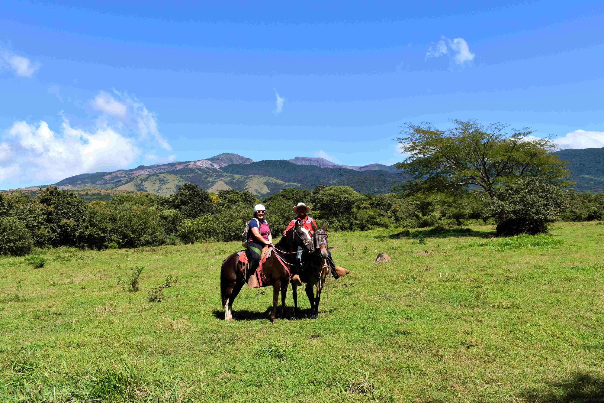 Paseo a caballo por la cascada Oropéndola