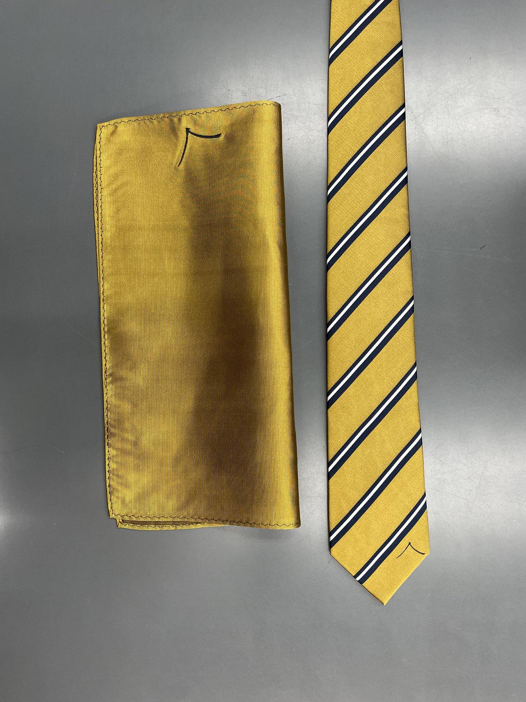 別注ネクタイとチーフ