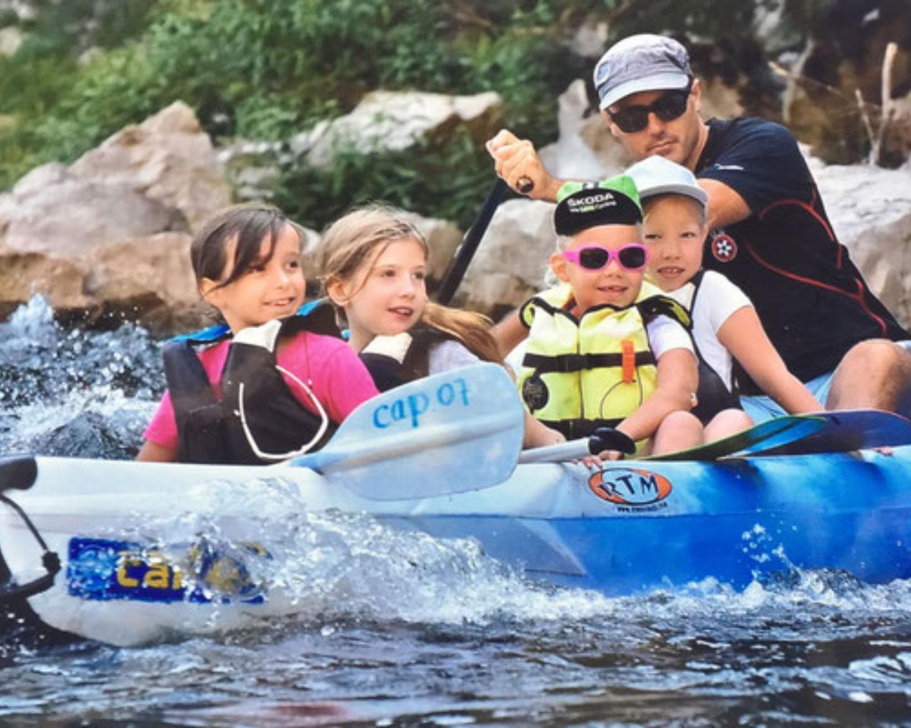 A quel âge peut on faire du canoë kayak en Ardèche?