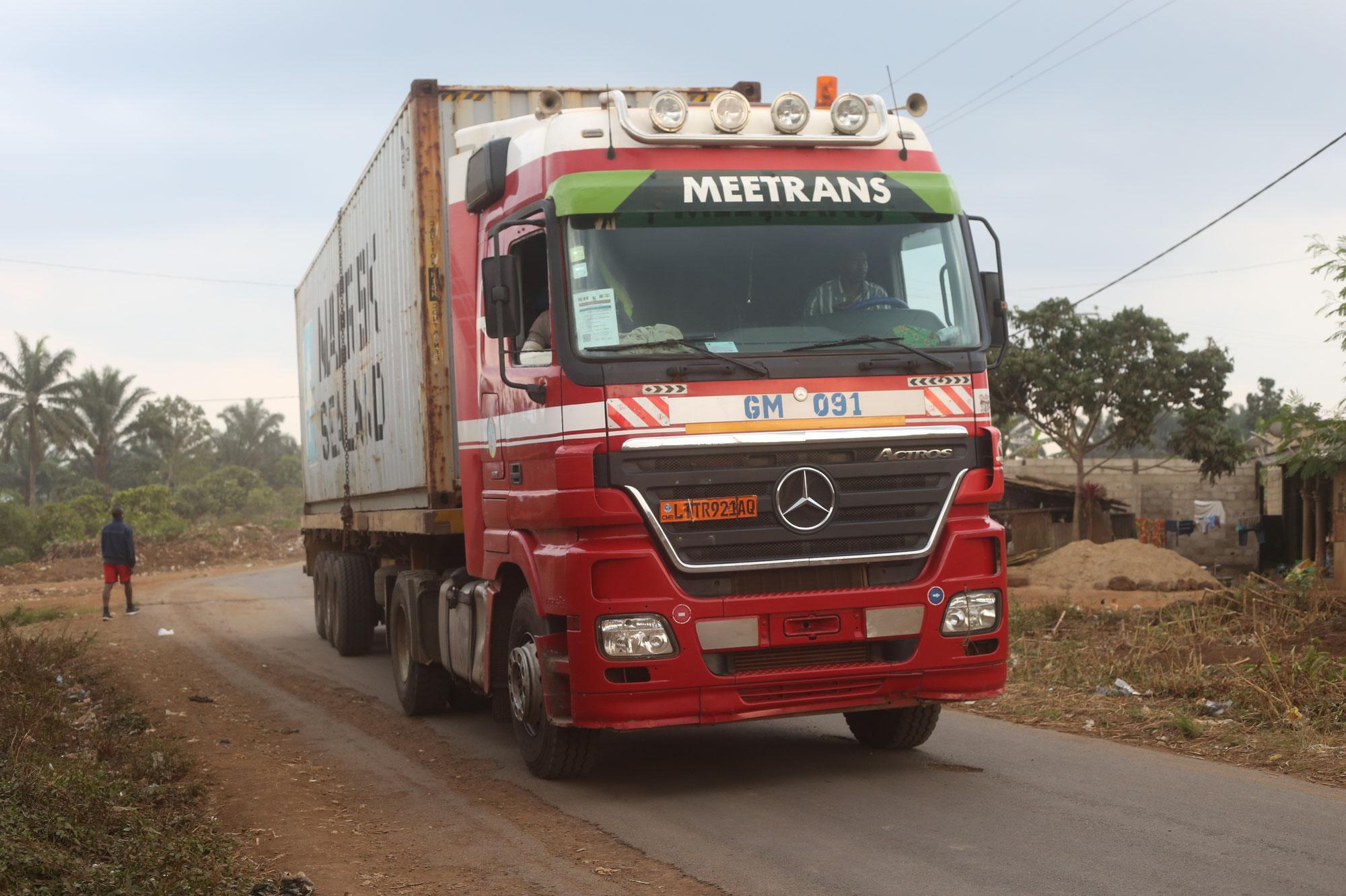Hilfstransport für Krankenhaus erreicht Kamerun