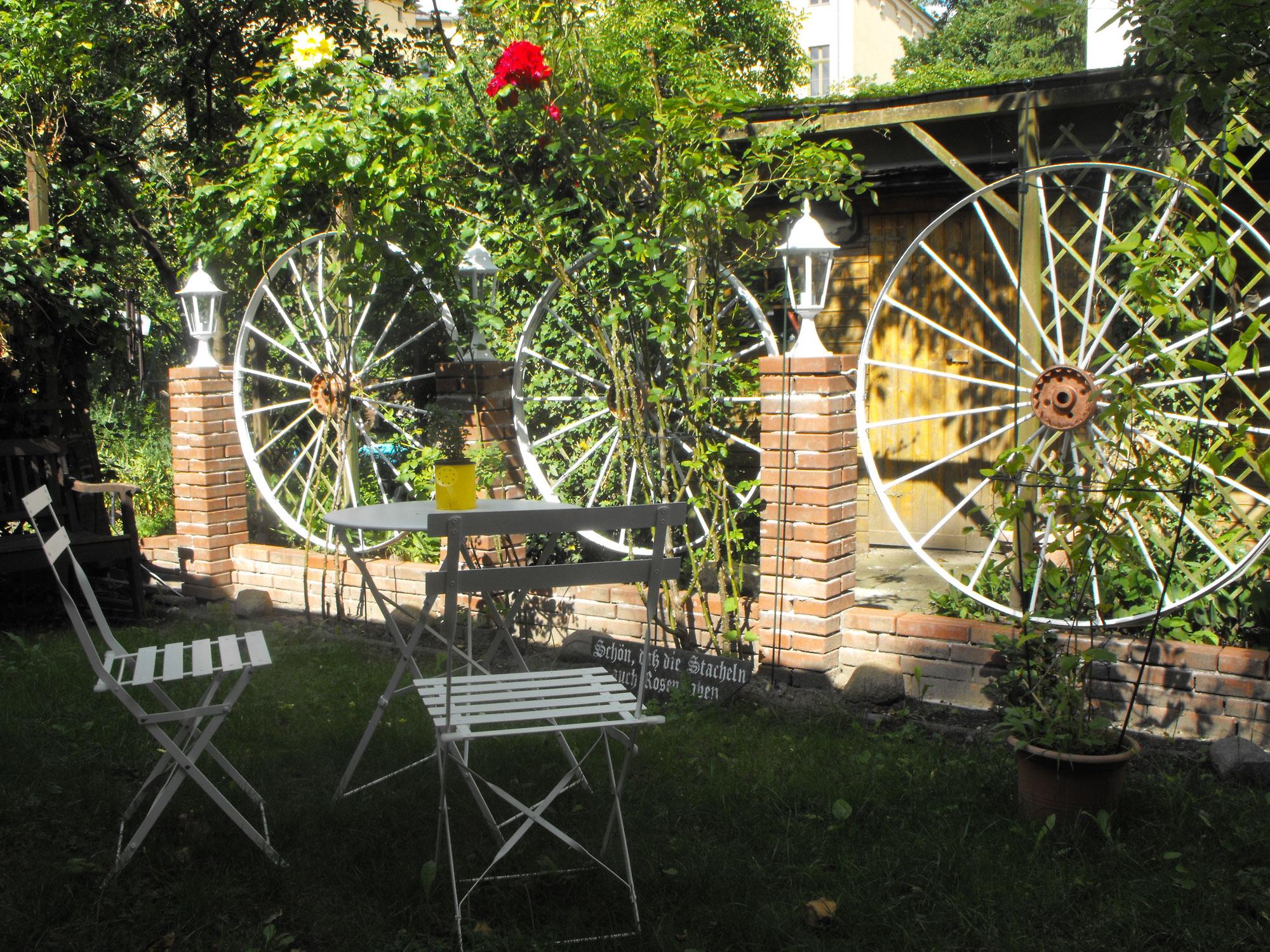 preise pension sanssouci holidays in potsdam. Black Bedroom Furniture Sets. Home Design Ideas