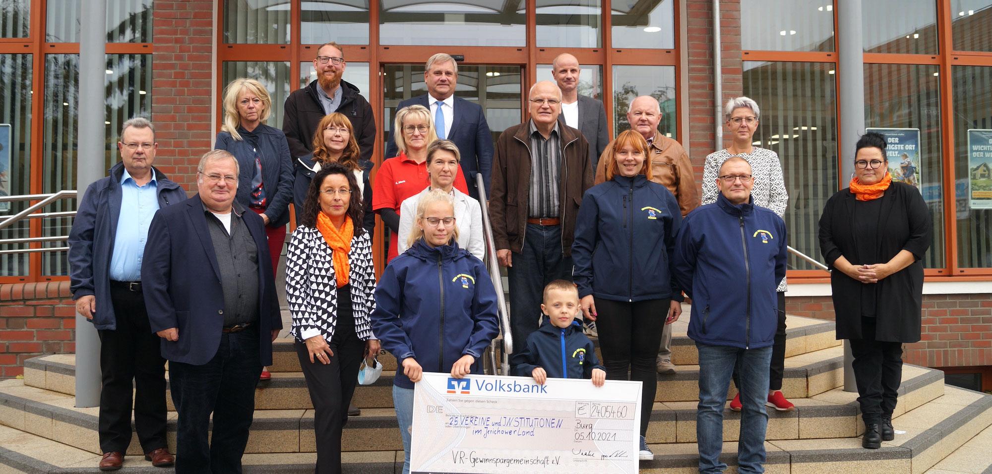 Wie sich 25 Vereine 24.000 Volksbank-Euro aufteilen
