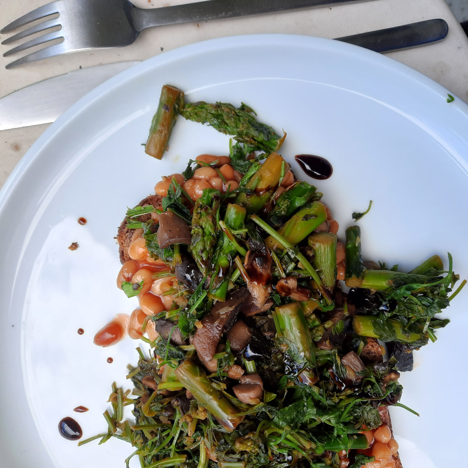 Herbalized Asparagus on Rye Bread