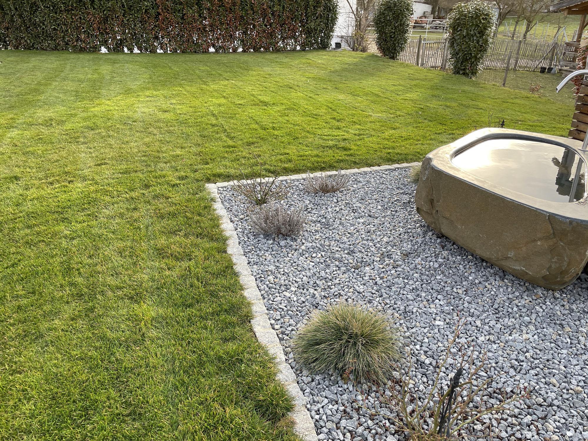 Lohnt es sich den Rasen im Herbst zu düngen?