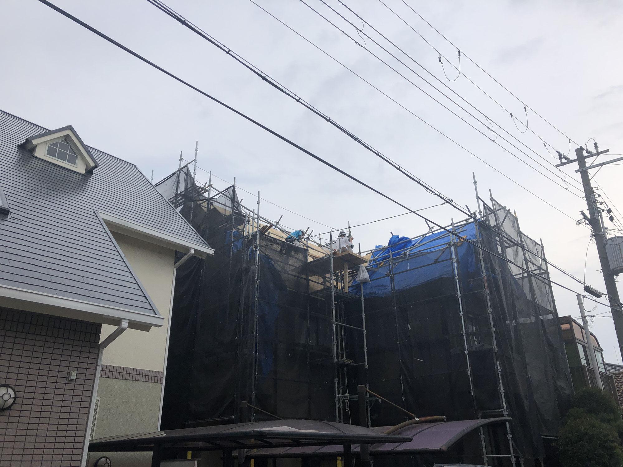 千里山のいえ 屋根工事進んでいます。