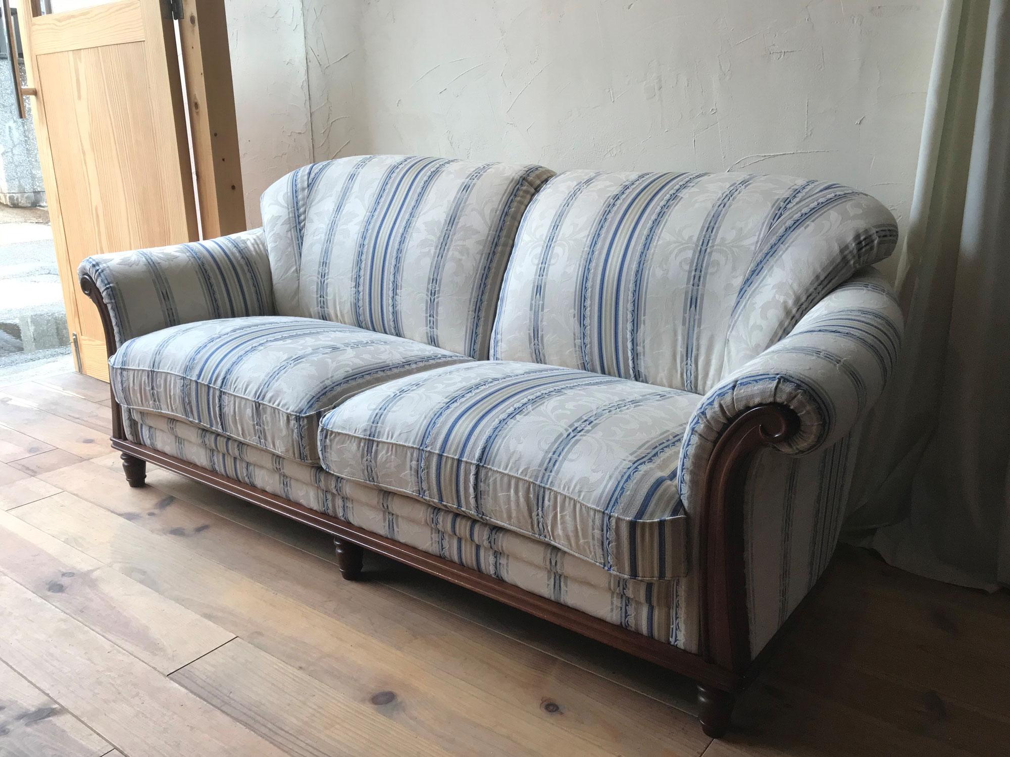 お宅のソファー傷んでませんか?|ソファーの張替え・豊中市