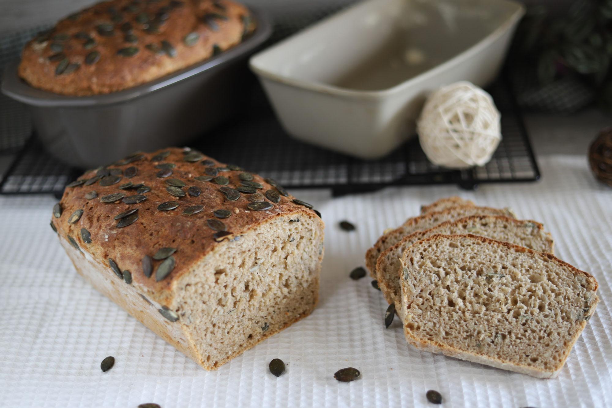 Sonnenblumen-Kürbis-Brote im Zauberkasten und Zaubermeister von Pampered Chef®