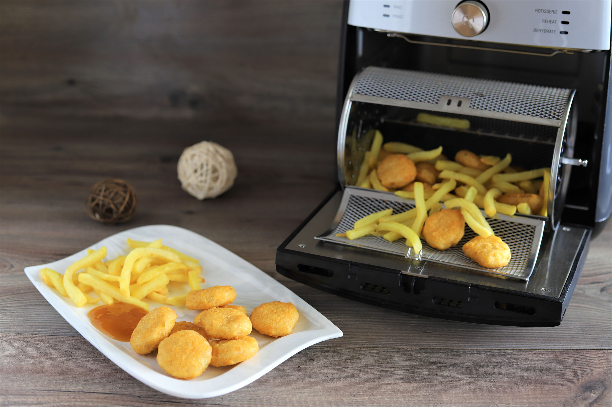 Chicken Nuggets mit Pommes im Deluxe Air Fryer von Pampered Chef®