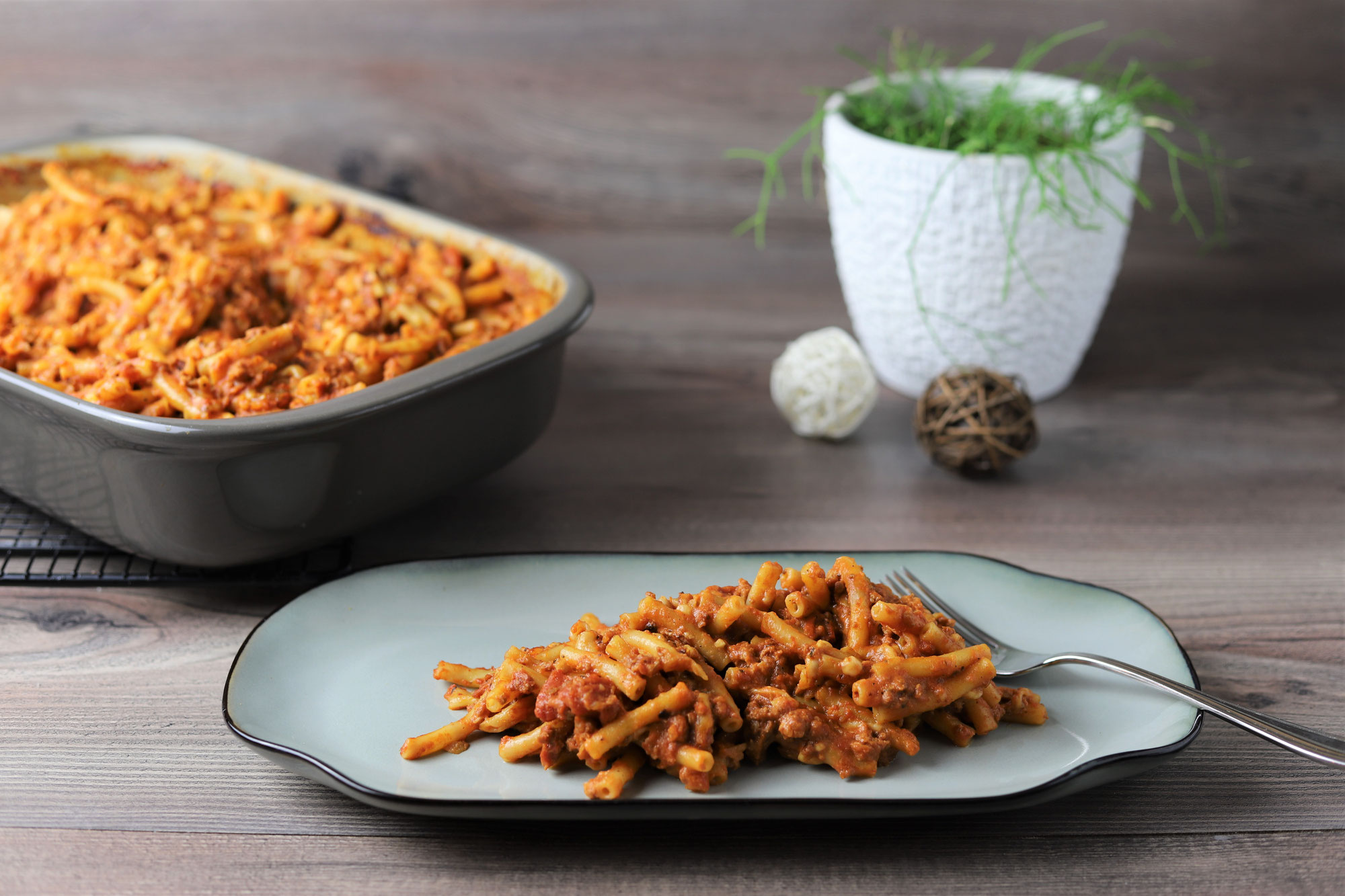 Makkaroni-Bolognese in der Ofenhexe von Pampered Chef®