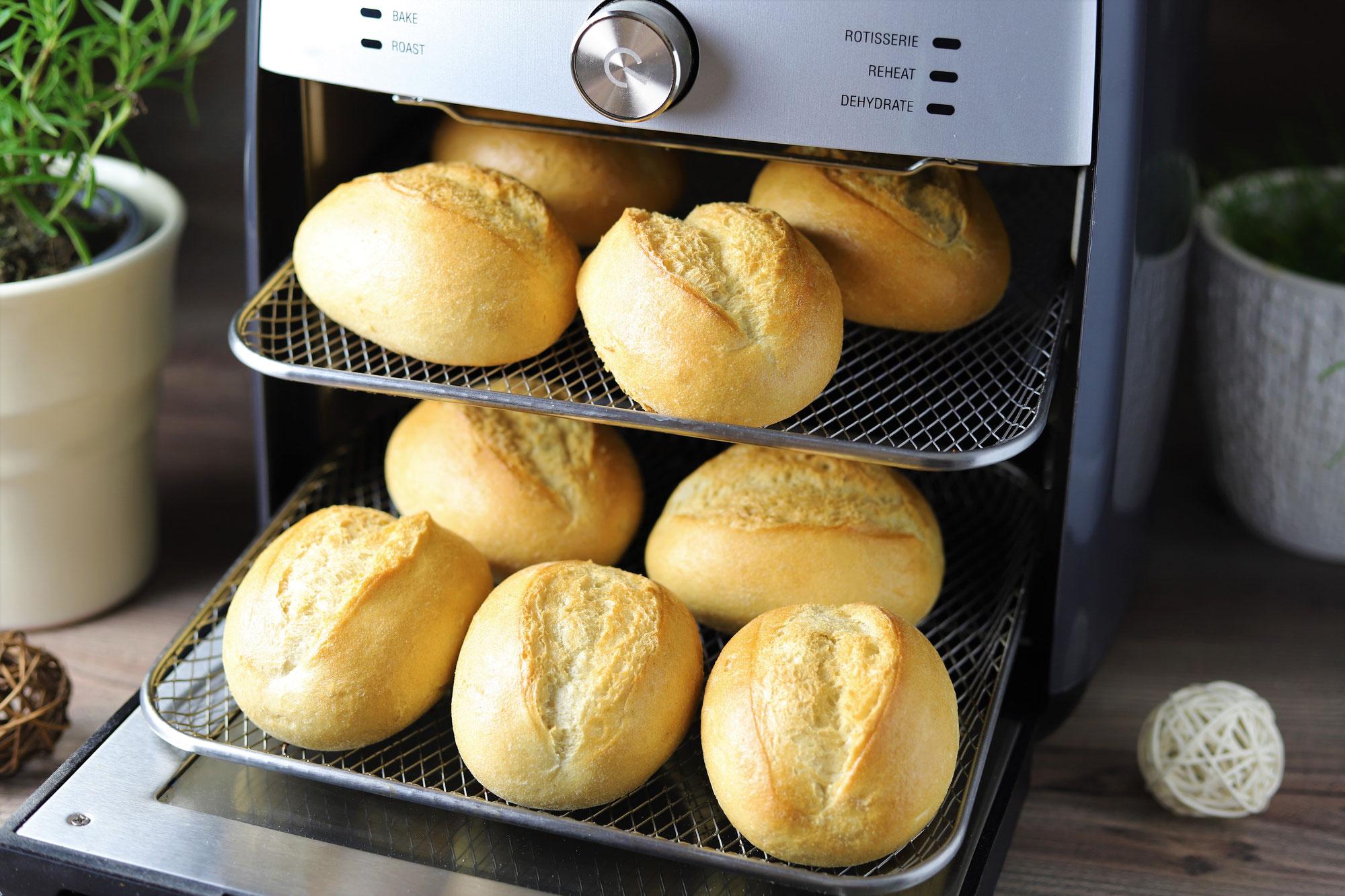Aufback-Brötchen im Deluxe Air Fryer von Pampered Chef®