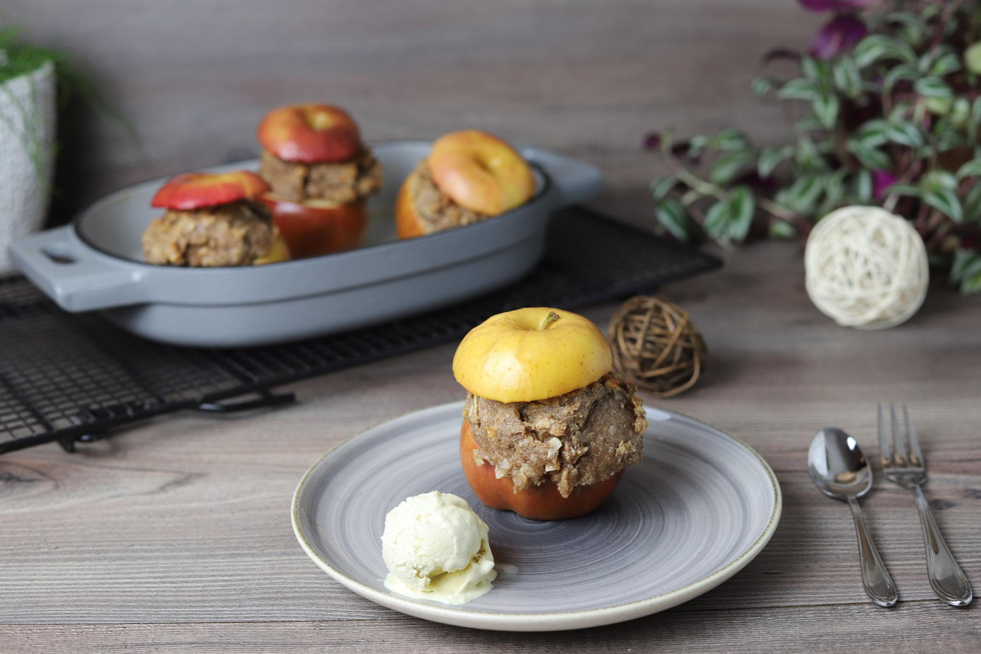 Gefüllte Bratäpfel im gusseisernen Baker von Pampered Chef®