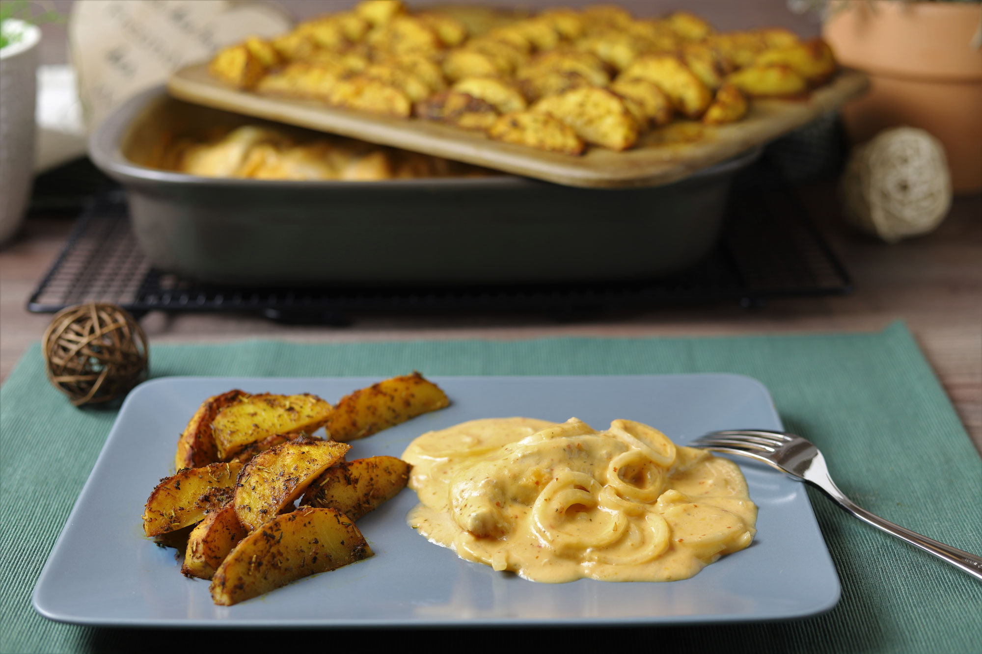 Zwiebel-Hähnchen mit Kartoffelwedges im Grundset von Pampered Chef®