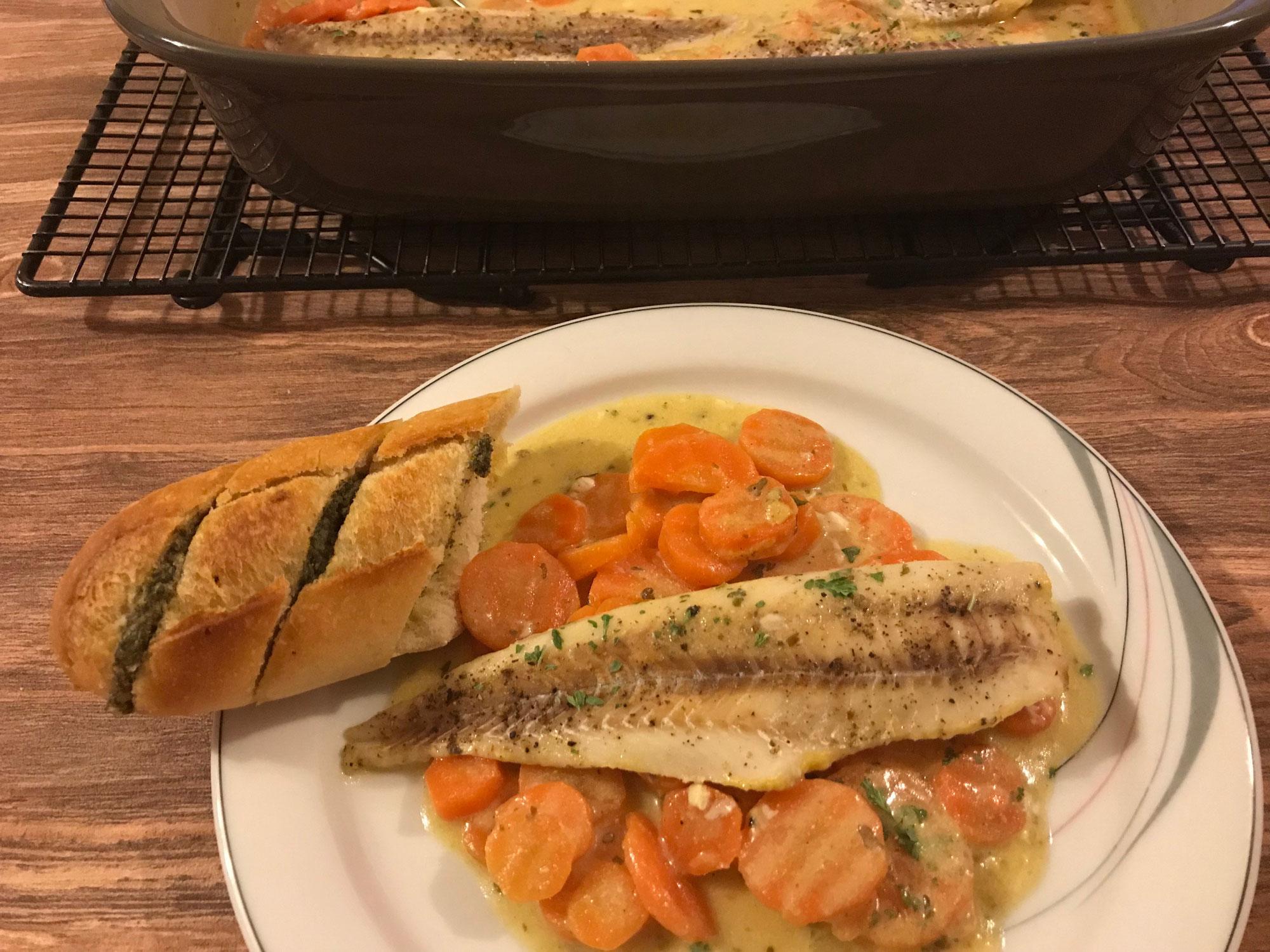 Seelachs auf Karotten in Senfsauce aus der Ofenhexe von Pampered Chef®