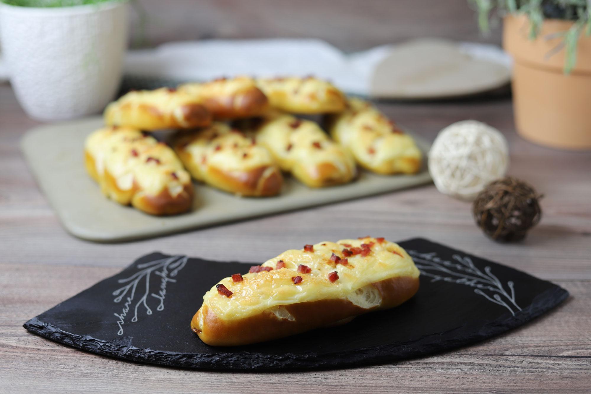 Käse-Laugenstangen auf dem Zauberstein plus von Pampered Chef®