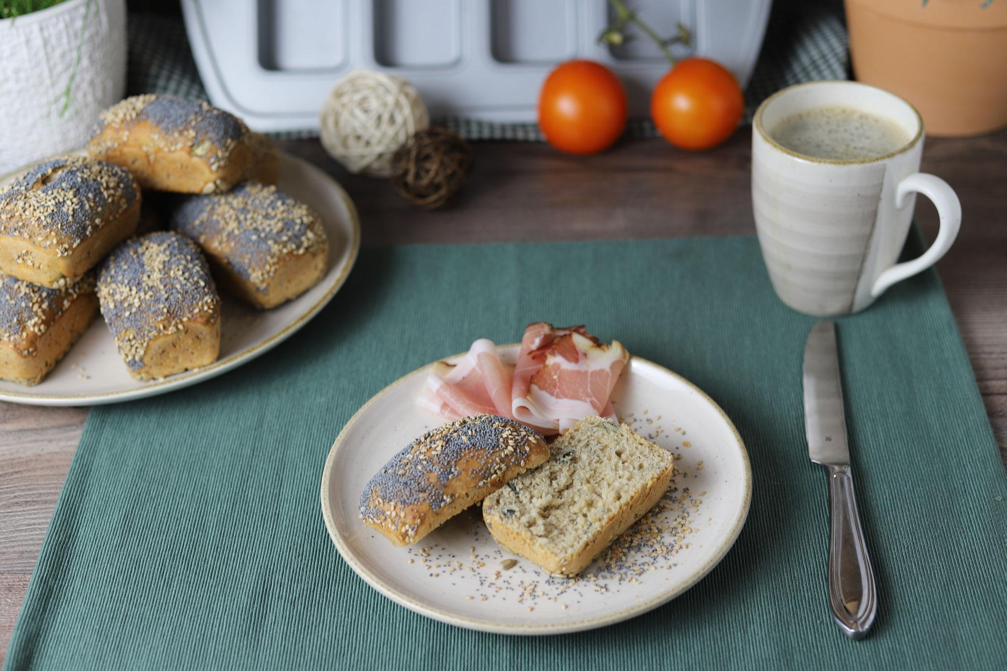 Körnerbrötchen über Nacht in der Mini-Kuchen Form von Pampered Chef®