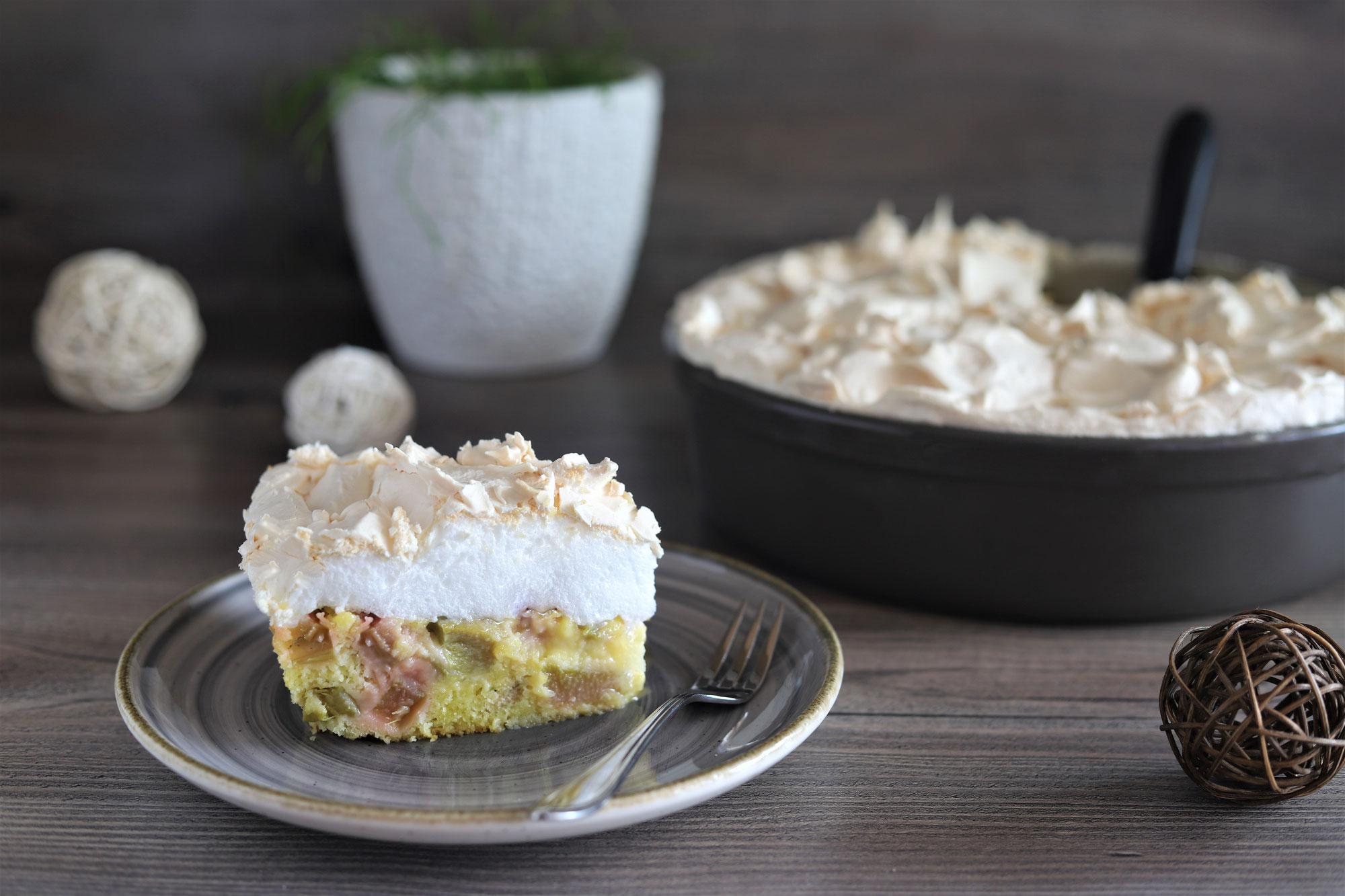 Rhabarber-Kuchen mit Baiser in der Stoneware rund von Pampered Chef®